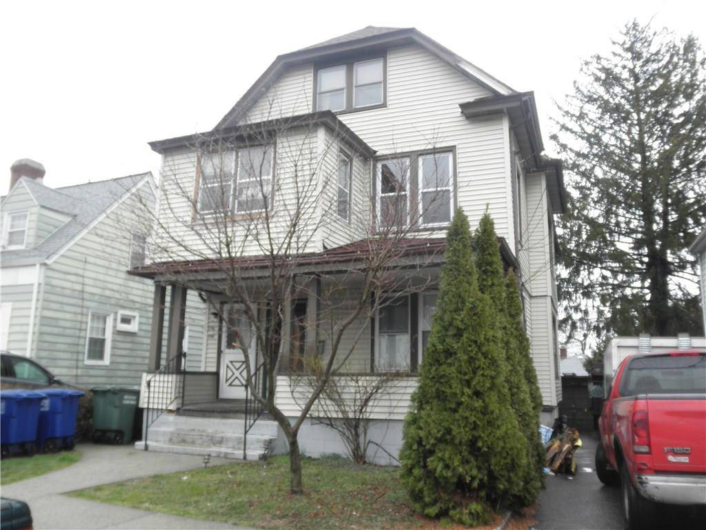Multi Family Home Rented in Bridgeport CT 06606. Old ranch house near waterfront.