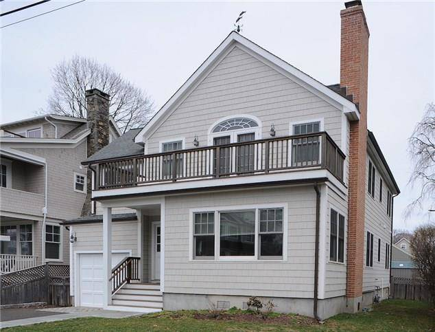 Single Family Home Rented in Westport CT 06880. Colonial house near beach side waterfront with 1 car garage.