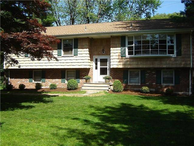 Single Family Home Sold in Norwalk CT 06854. Ranch house near beach side waterfront with 2 car garage.