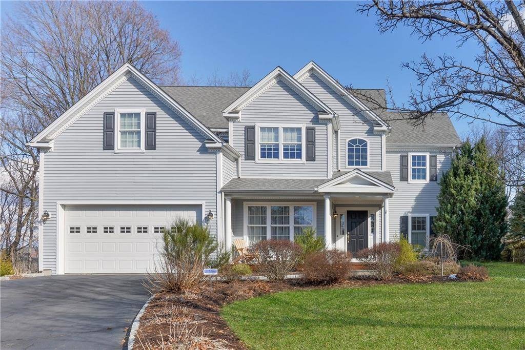 Single Family Home Sold in Norwalk CT 06850. Colonial house near waterfront with 2 car garage.