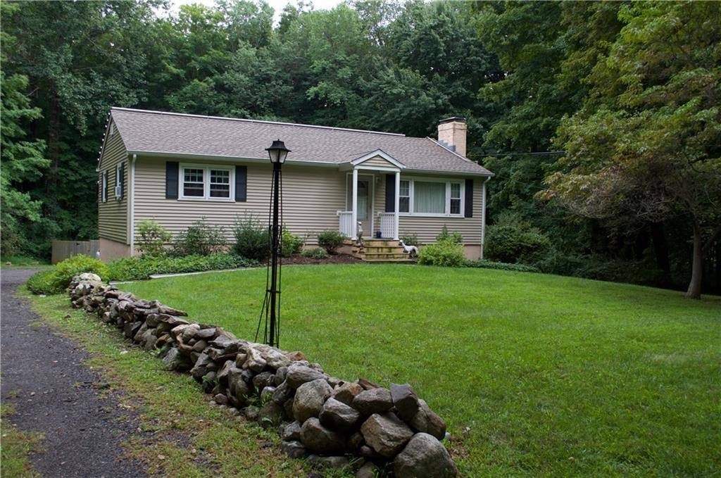 Single Family Home Sold in Redding CT 06896. Ranch house near waterfront with 1 car garage.