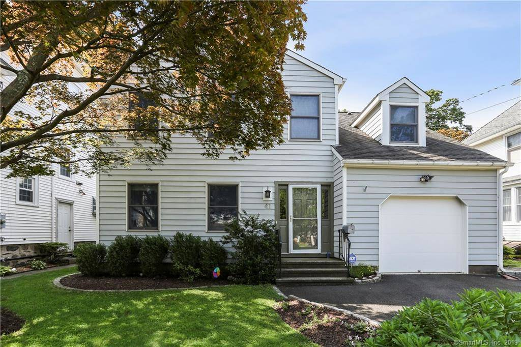 Single Family Home Sold in Stamford CT 06902. Colonial house near beach side waterfront with 1 car garage.