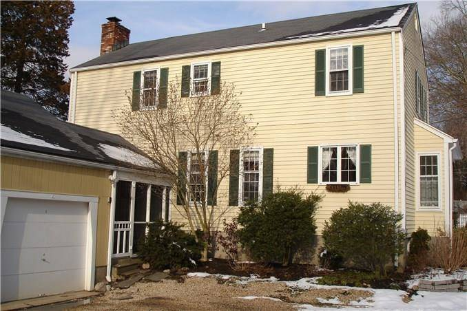 Condo Home Sold in New Canaan CT 06840. Colonial house near waterfront with 1 car garage.
