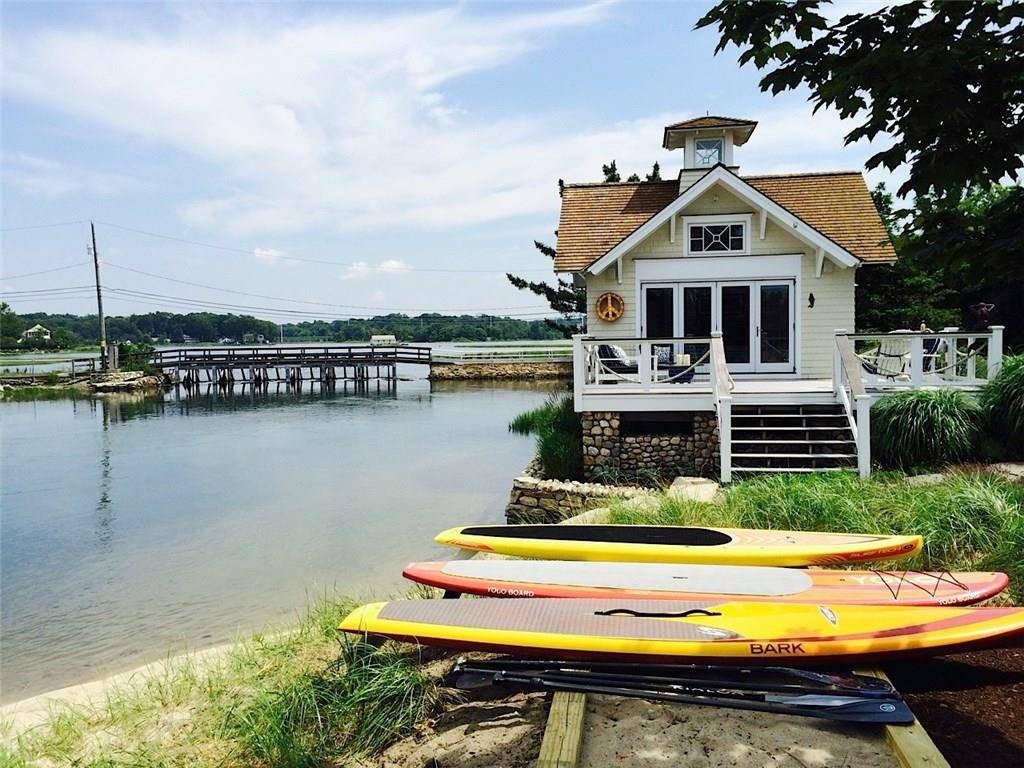 Single Family Home Rented in Westport CT 06880.  cottage house near beach side waterfront.