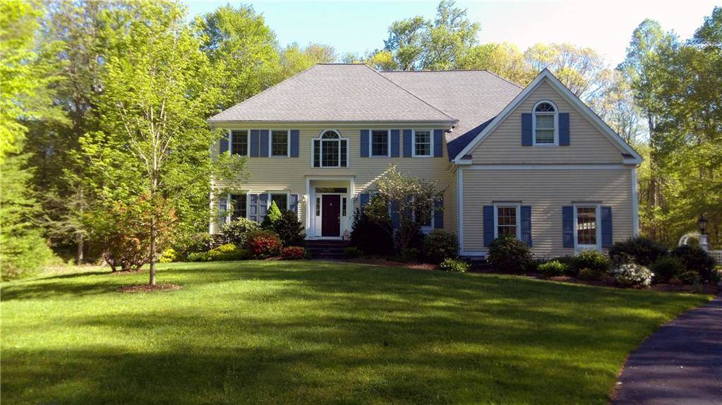 Single Family Home Sold in Norwalk CT 06851. Colonial house near waterfront with 3 car garage.