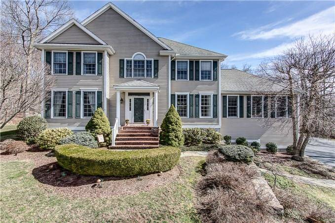 Single Family Home Sold in Trumbull CT 06611. Colonial house near waterfront with 3 car garage.