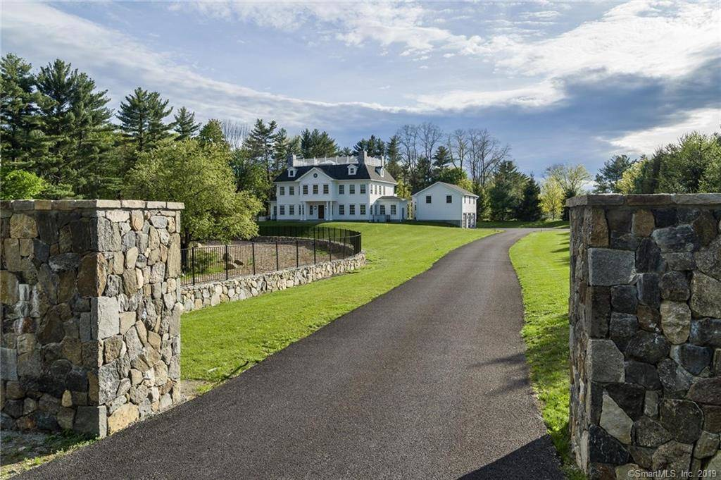 Luxury Single Family Home Sold in Greenwich CT 06831. Colonial house near beach side waterfront with 3 car garage.