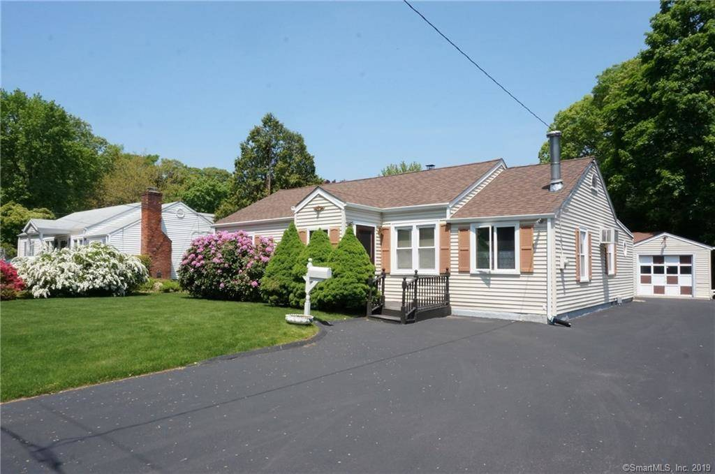 Single Family Home Sold in Stamford CT 06906. Ranch house near waterfront with 1 car garage.