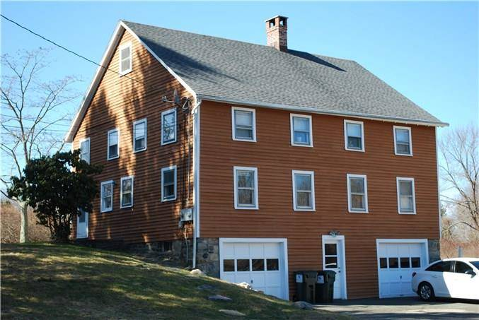 Multi Family Home Rented in Ridgefield CT 06877. Old colonial house near waterfront with 1 car garage.