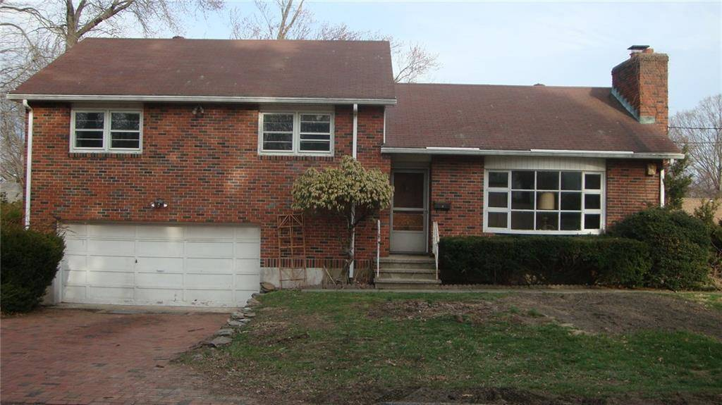 Single Family Home Sold in Trumbull CT 06611.  house near waterfront with 2 car garage.