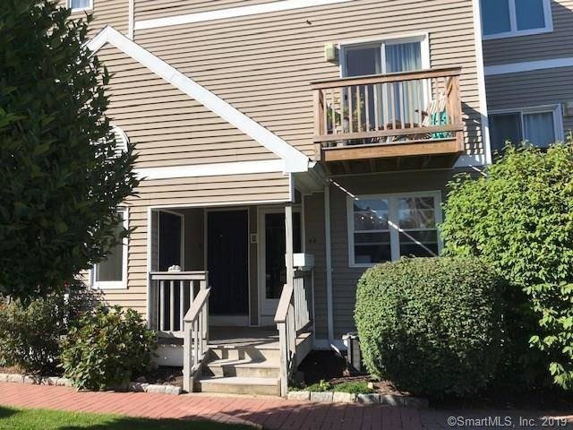 Condo Home Sold in Norwalk CT 06850. Ranch house near waterfront with swimming pool and 1 car garage.