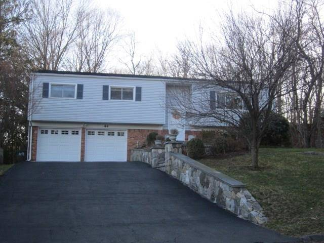 Single Family Home Rented in Stamford CT 06905. Ranch house near waterfront with 2 car garage.