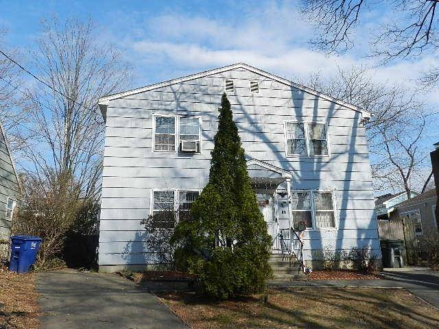 Foreclosure: Single Family Home Sold in Bridgeport CT 06606.  house near waterfront.