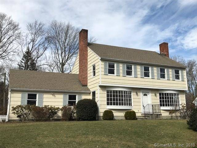 Single Family Home Rented in Darien CT 06820. Colonial house near beach side waterfront with 2 car garage.