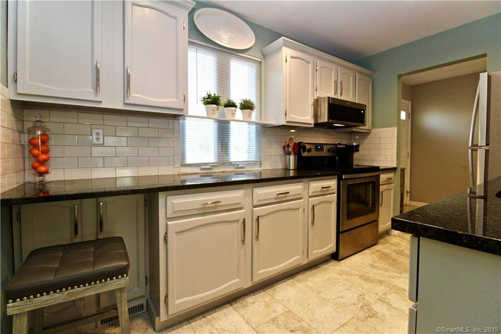 Condo Home Sold in Stamford CT 06902.  townhouse near beach side waterfront.