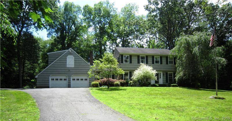 Single Family Home Sold in Brookfield CT 06804. Colonial house near waterfront with 2 car garage.