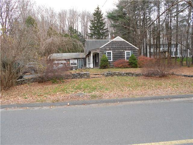 Short Sale: Single Family Home Sold in Danbury CT 06810. Old colonial house near waterfront with 1 car garage.
