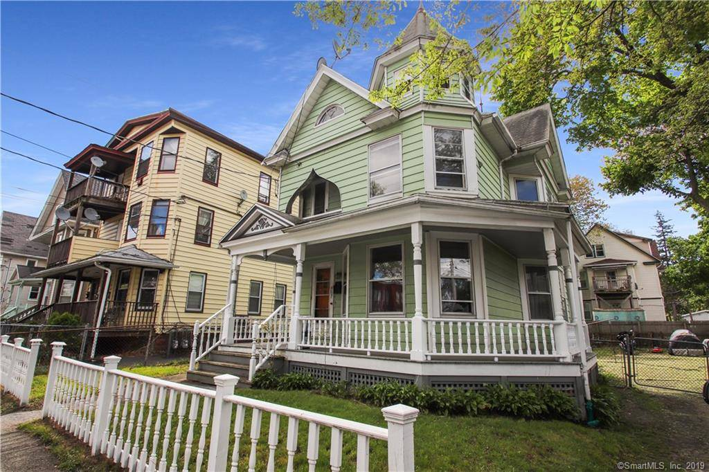 Single Family Home Sold in Bridgeport CT 06605. Colonial house near waterfront.