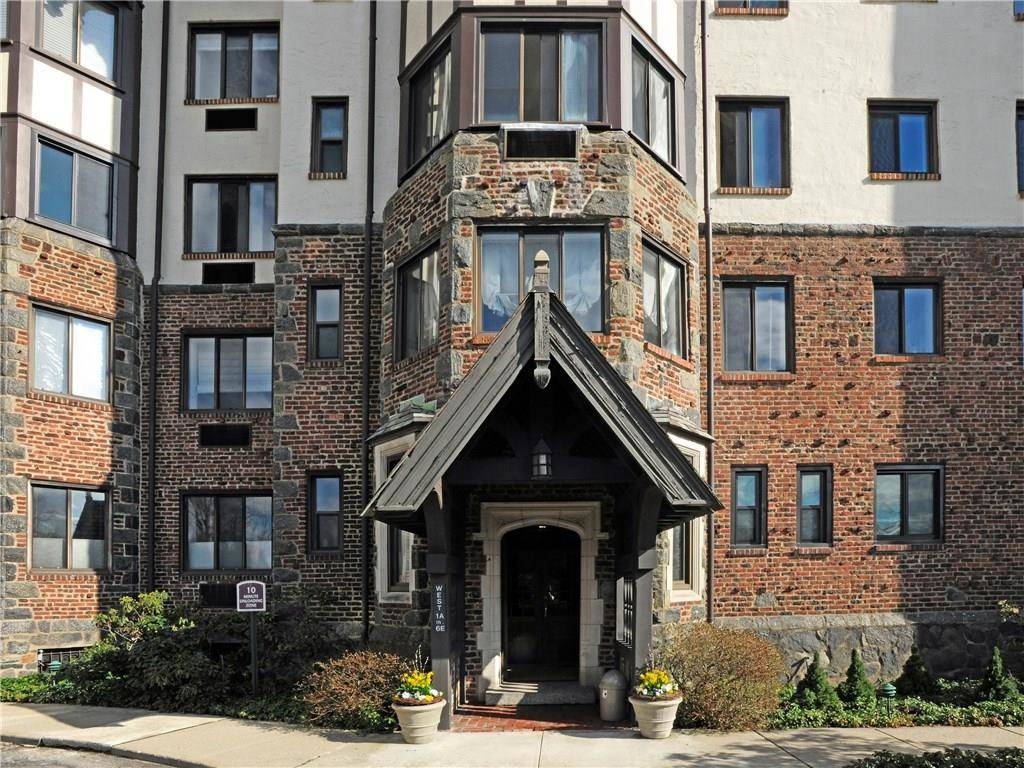 Condo Home Rented in Greenwich CT 06830. Tudor house near beach side waterfront.