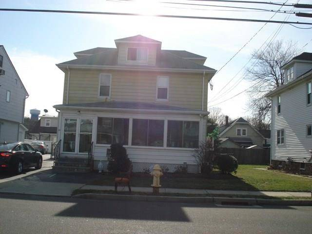 Multi Family Home Rented in Norwalk CT 06851. Old colonial house near beach side waterfront.