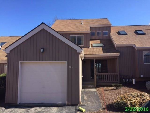 Foreclosure: Condo Home Sold in Shelton CT 06484.  townhouse near waterfront with 1 car garage.