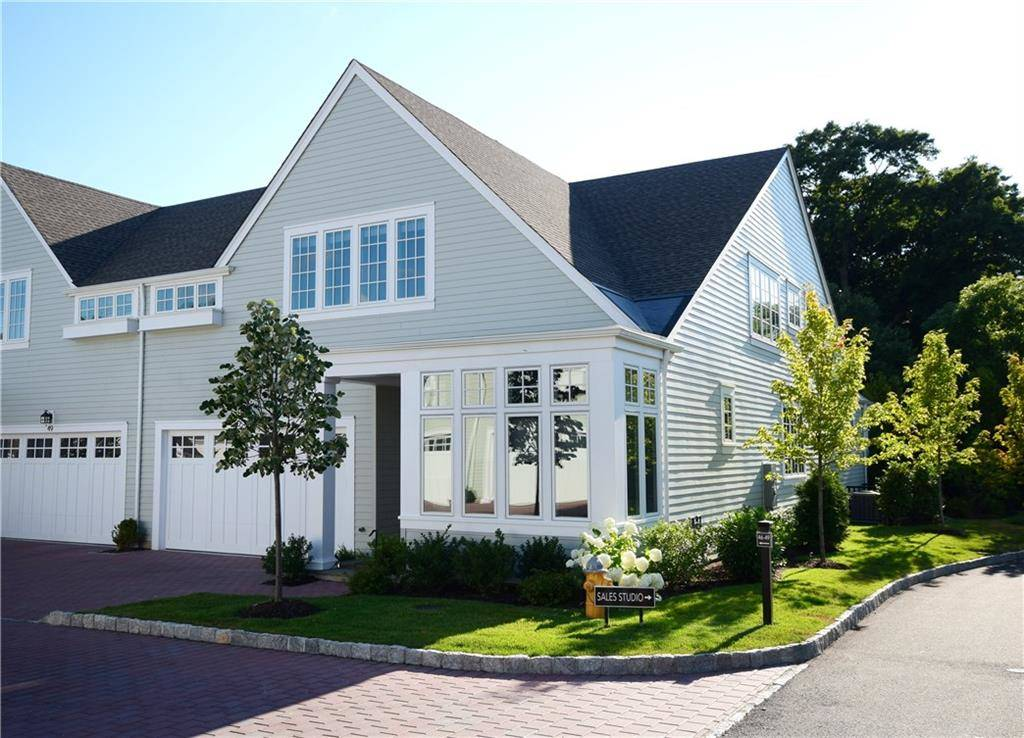 Condo Home Sold in Darien CT 06820. Colonial house near beach side waterfront with swimming pool and 2 car garage.