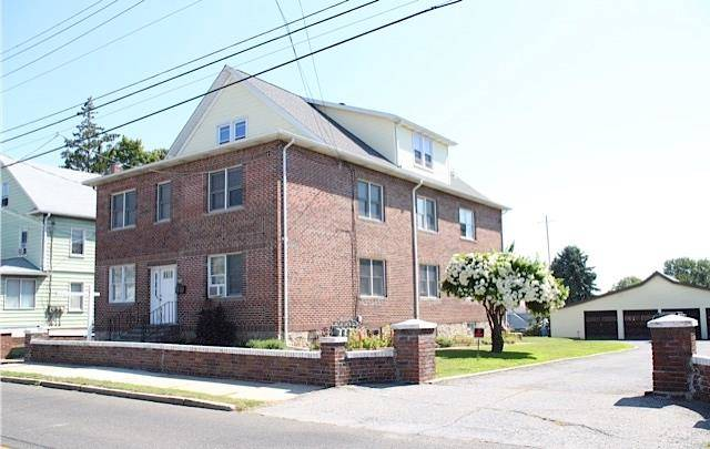 Multi Family Home Sold in Stamford CT 06902. Old  house near waterfront with 4 car garage.
