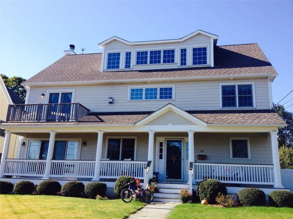Single Family Home Rented in Norwalk CT 06854. Old colonial house near waterfront with 1 car garage.