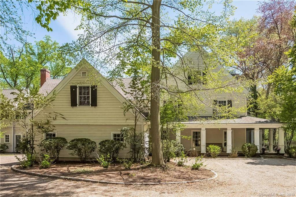 Mansion Sold in New Canaan CT 06840. Big colonial house near beach side waterfront with 3 car garage.