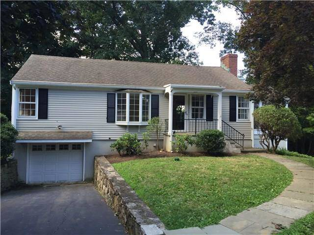 Single Family Home Rented in Norwalk CT 06854. Ranch house near waterfront with 1 car garage.