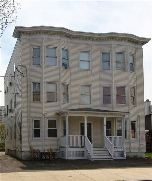 Multi Family Home Rented in Stamford CT 06902. Old ranch house near waterfront.