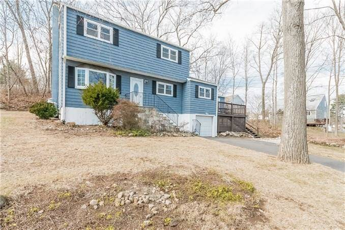 Single Family Home Sold in Norwalk CT 06850. Colonial house near beach side waterfront with 1 car garage.