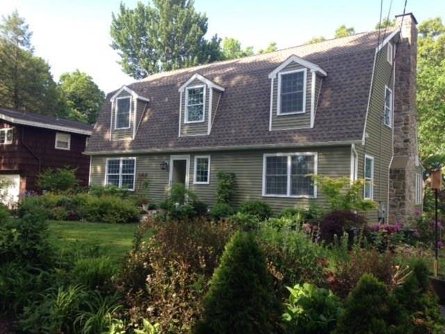 Single Family Home Sold in Brookfield CT 06804. Colonial house near beach side waterfront with 1 car garage.