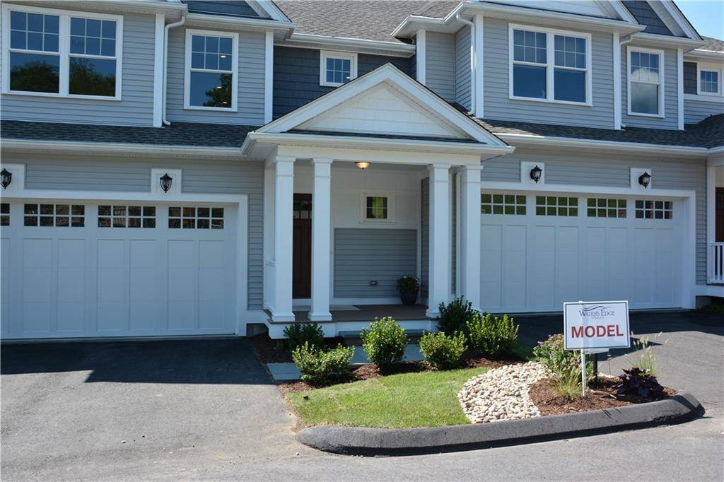Condo Home Sold in Shelton CT 06484. Colonial house near waterfront with 2 car garage.