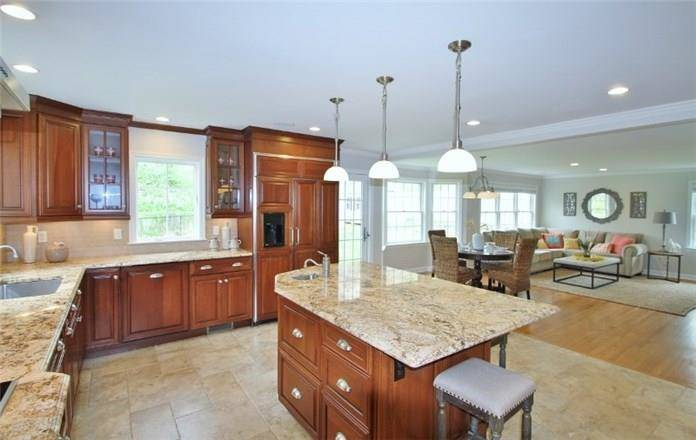 Single Family Home Sold in Darien CT 06820. Colonial cape cod house near waterfront with 2 car garage.