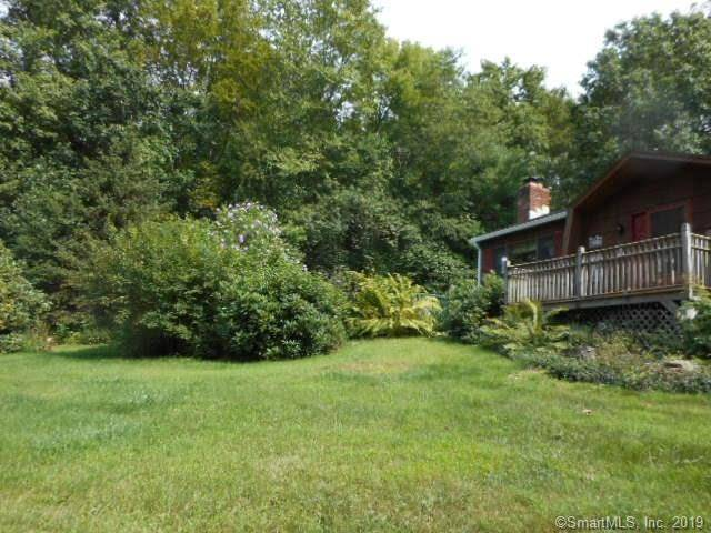 Single Family Home Sold in Danbury CT 06810. Ranch house near waterfront with swimming pool and 2 car garage.