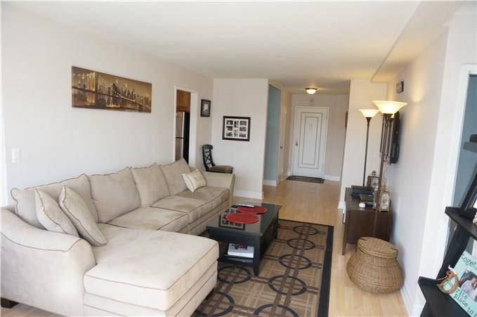 Cooperative Home Sold in Stamford CT 06902.  house near waterfront.