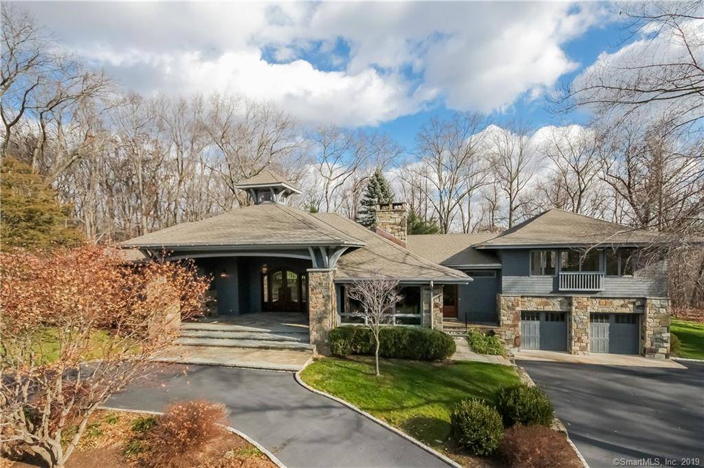 Single Family Home Rented in Greenwich CT 06831. Ranch house near waterfront with 2 car garage.