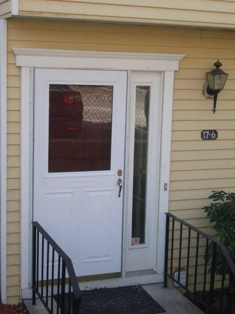 Condo Home Rented in Danbury CT 06811.  townhouse near waterfront with swimming pool.