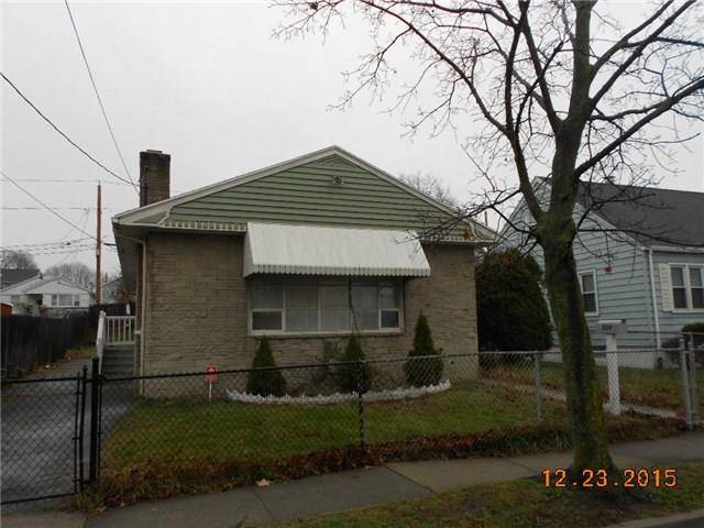 Foreclosure: Single Family Home Sold in Stratford CT 06615. Ranch house near waterfront with 4 car garage.
