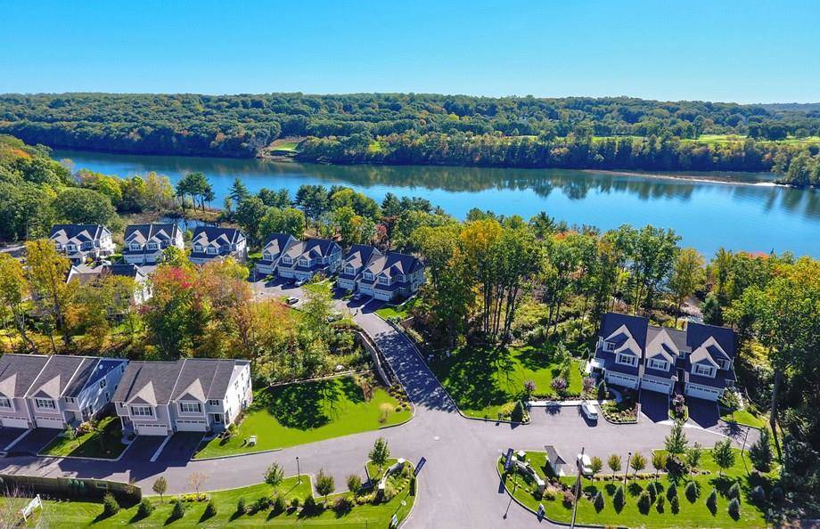 Condo Home Sold in Shelton CT 06484.  townhouse near river side waterfront with 2 car garage.