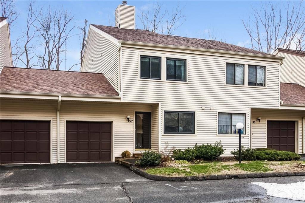 Condo Home Sold in Bethel CT 06801. Colonial townhouse near waterfront with swimming pool and 1 car garage.