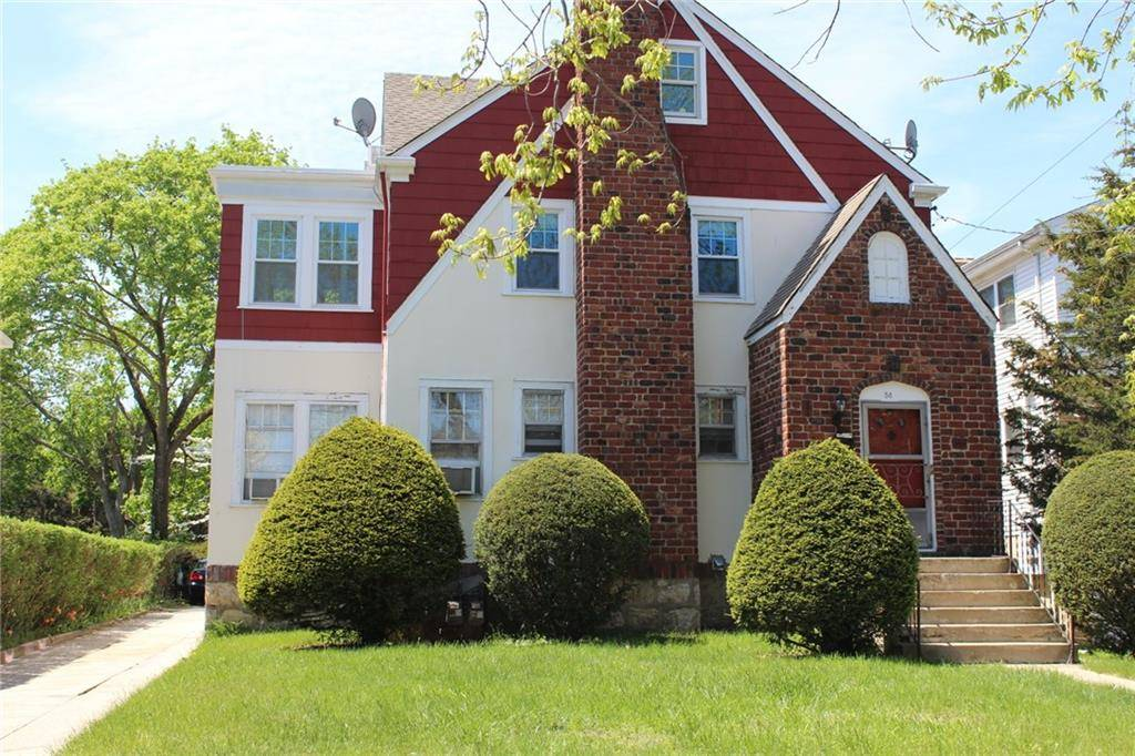 Multi Family Home Rented in Stamford CT 06906. Old ranch house near waterfront with 1 car garage.