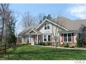 Condo Home Rented in Newtown CT 06482. Ranch house near waterfront with 2 car garage.