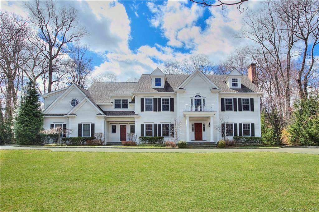 Luxury Single Family Home Sold in Westport CT 06880. Colonial house near beach side waterfront with swimming pool and 3 car garage.