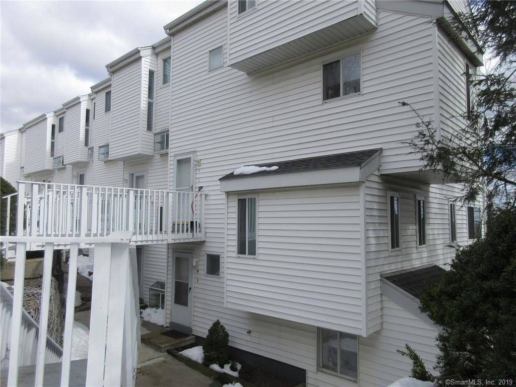 Condo Home Sold in Danbury CT 06811.  townhouse near waterfront.