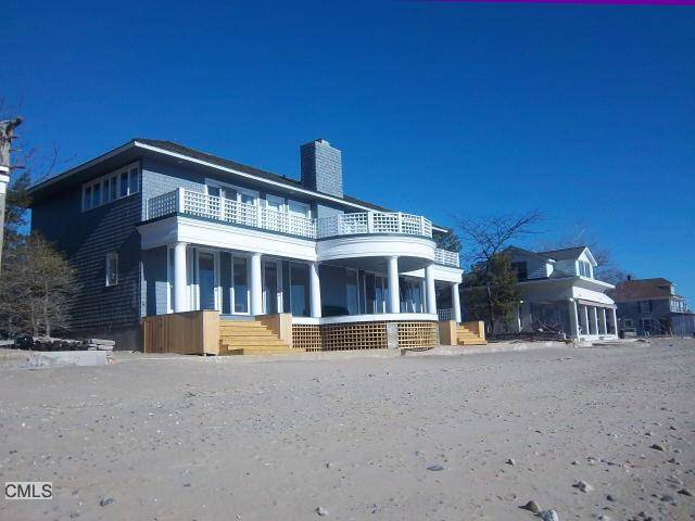 Single Family Home Rented in Westport CT 06880. Contemporary house near beach side waterfront with 1 car garage.