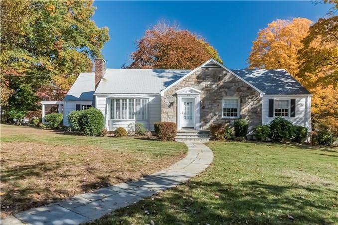 Single Family Home Sold in Stamford CT 06907. Ranch house near waterfront with 2 car garage.