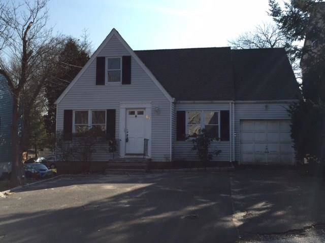 Foreclosure: Single Family Home Sold in Stamford CT 06906.  cape cod house near waterfront with 1 car garage.