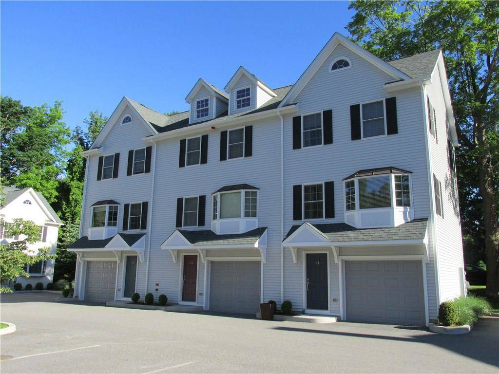 Condo Home Rented in Ridgefield CT 06877.  townhouse near waterfront with 1 car garage.
